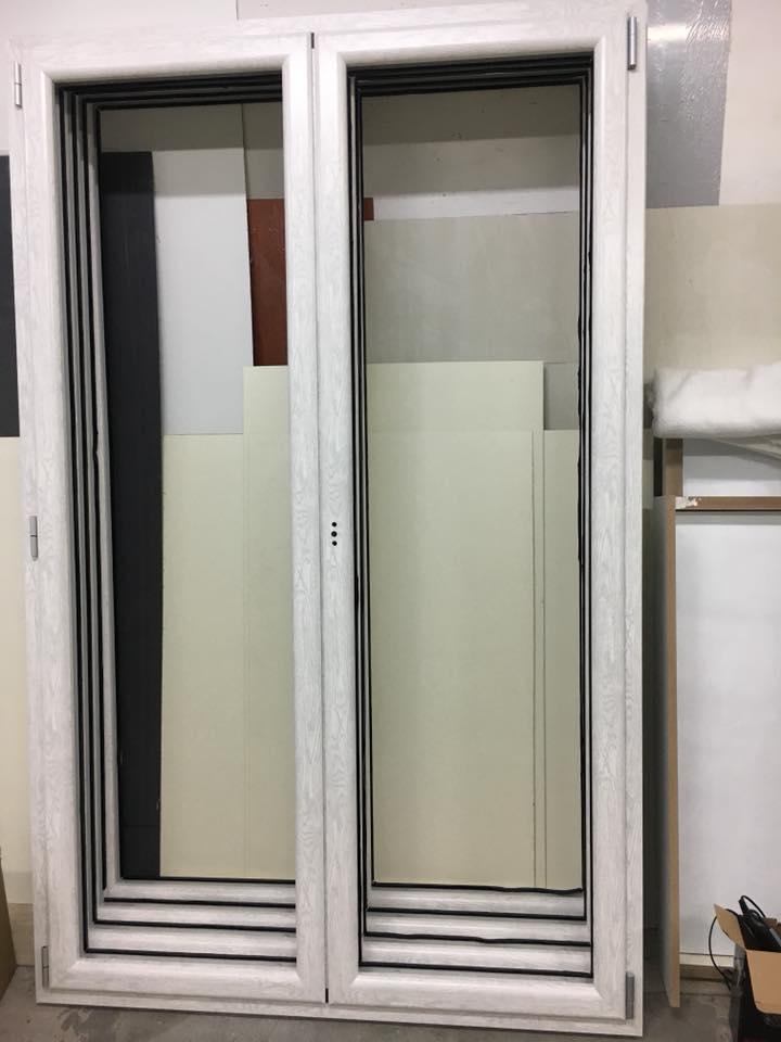 Infissi in alluminio taglio termico effetto legno infissi e porte napoli - Finestre a taglio termico ...